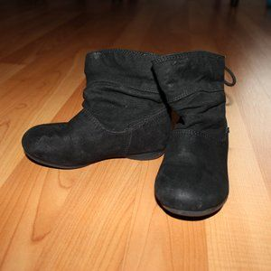 Girl Sz 7 Black Suede look Pull on Boots Back Lace
